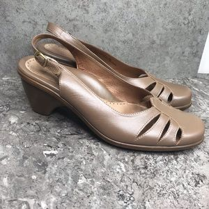 Dansko Taupe Leather 1 in Heel size 40